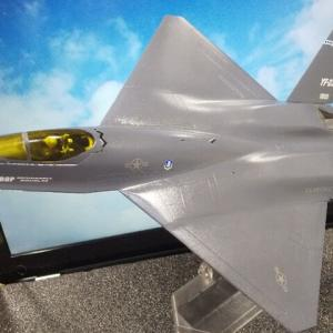 プラッツ 1/72 試作戦闘機 YF-23 完成