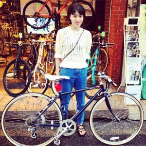 ☆本日のバイシクルガール☆ 自転車女子 自転車ガール ミニベロ クロスバイク ライトウェイ トーキョーバイク シュウイン ラレー ブルーノ おしゃれ自転車 マリン ターン シェファード