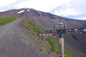 富士山を登らないと夏が始まらない!?