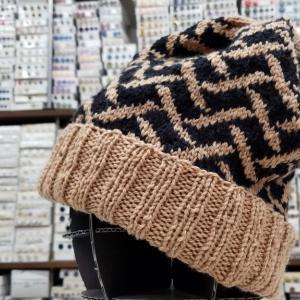 毛糸だま188からニット帽子を編みました。♯毛糸だま♯パピー♯プリンセスアニー♯ハマナカ♯エクシードウールFL♯編み物♯編み物教室♯棒針編み♯かぎ針あみ♯弁天手芸店♯前橋