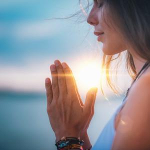 11月13日 21時〜22時 ストレス、不安、迷いを手放し自分を変えていく!満月の手放し瞑想会