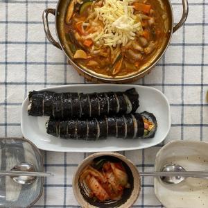 ピリ辛ホルモン鍋、キンパ