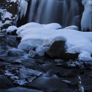 冬の浅間大滝と大仙の滝
