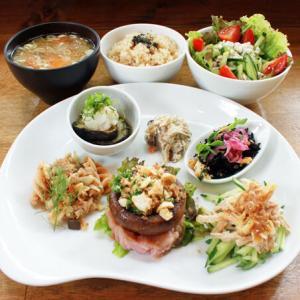 ランチメニュー(2020/7/8〜7/19)ジャンボマッシュルームのステーキ Big Mushroom steak