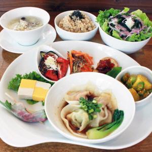 ランチメニュー(2021/7/20〜8/01)3種のベジ水餃子 Vege Boiled Jiaozi