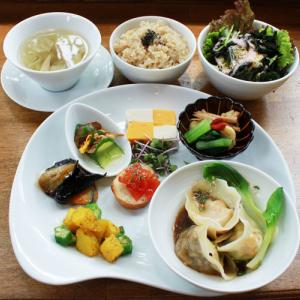 ランチメニュー(2019/7/23〜8/04)3種のベジ水餃子 Vege Boiled Jiaozi