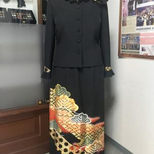 【新作留袖ドレス】新デザイン 襟袖フリル2ピース 赤金色