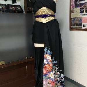 【新作着物ドレス】独創的な黒留袖着物ドレス Dahlinatyオリジナルデザイン