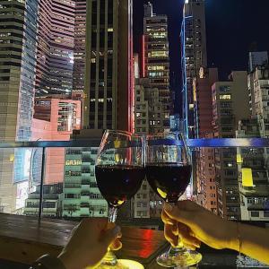 グルメ友が100点満点に本場の味と絶賛したローカル中華と夜景バー!