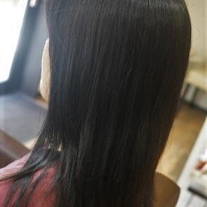 気になる癖毛、縮毛矯正で日々のお手入れを簡単に。