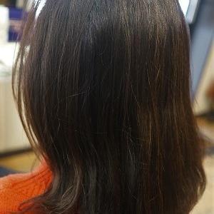 久しぶりの縮毛矯正でまとまる髪に。