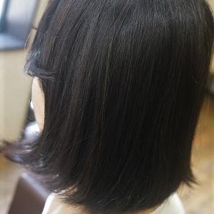 縮毛矯正で扱いやすい、サラ艶ショートボブに。
