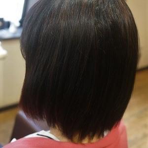 縮毛矯正でナチュラルボブスタイルに。
