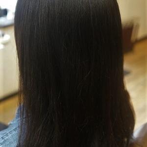 縮毛矯正でうねり&ひろがりを解消してお手入れ簡単な髪へ。
