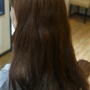 縮毛矯正で夏のサラ艶ロングスタイルに。