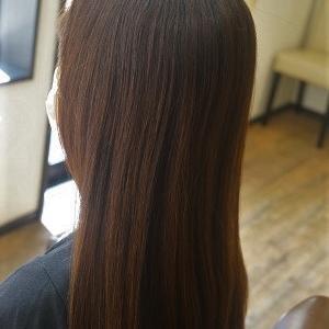 暑い夏 縮毛矯正で扱いやすい夏のストレートヘアに。