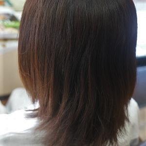 縮毛矯正でまとまらない髪を、夏のストレートスタイルに。