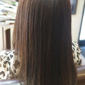 サラリ夏スタイルに。縮毛矯正&カットでスタイルチェンジ。