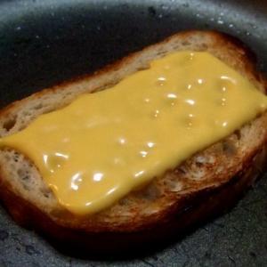 「生ハム」と「チーズ」で「クロックムッシュ」風に・・・