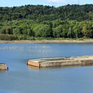 秋のふくろう湖