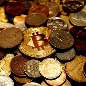 ベーシックインカム専用デジタル暗号通貨化可能性の有無、導入の可否