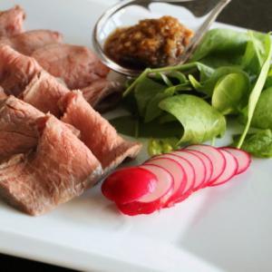 ZOOMでオンライン料理教室「超簡単ローストビーフを柚子胡椒オニオンソースで」のお知らせ