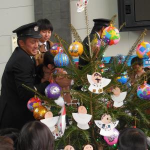 JR高松駅クリスマスイベント|幼稚園児手作りの演出