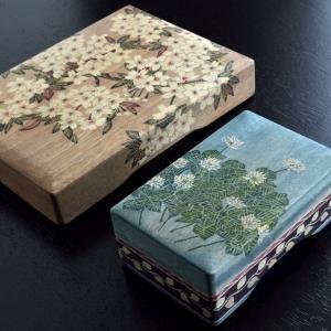 野村レイ子女史|箱に蘇る花の数々