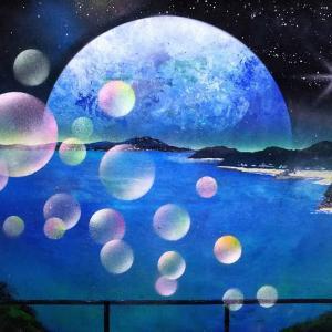Daisuke スプレーアート|海をバックに展開