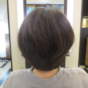 根本が潰れにくいショートの縮毛矯正(*´▽`*)
