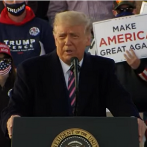 トランプ大統領が町にやって来た