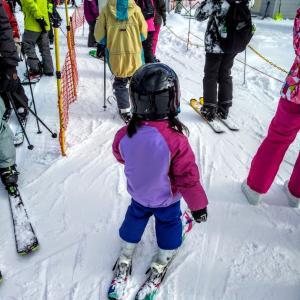 三女スキーデビュー