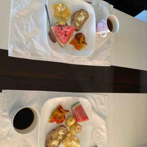 朝食 奥様はフラメンコ