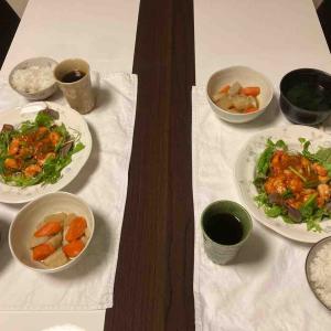 夕食はエビチリ