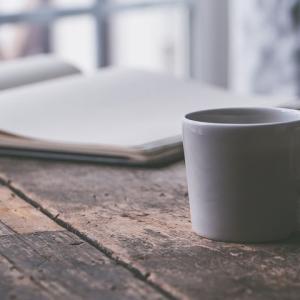 コーヒーも紅茶も大好きでつい飲みすぎてしまうので、せめて朝の一杯はハーブティーを…