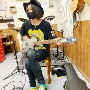 E・ギターレッスンその4532~ブラックマネー~