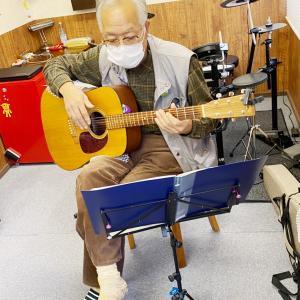 クラシックギターレッスン(新井)その2134 〜赤いくつ〜
