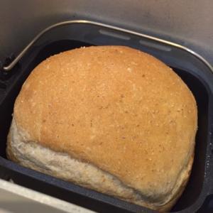 HBで全粒粉入りの食パン