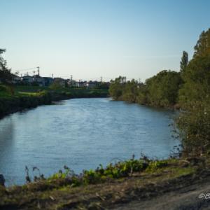 川沿いを散歩
