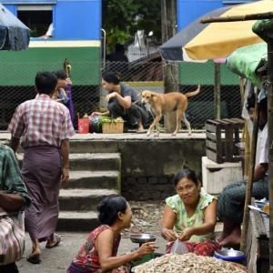 ミャンマー ・ レイルサイドストーリー  その3   ヤンゴン環状線②