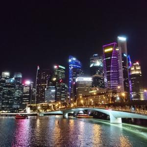 シンガポール・夜のマリーナベイを散策