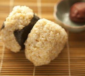 4センチの子宮筋腫が小指の先くらいまでの小ささになった方が玄米食を始めたワケ。