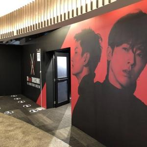 (記事)東方神起、日本デビュー15周年記念の展示会「XVision」が開幕
