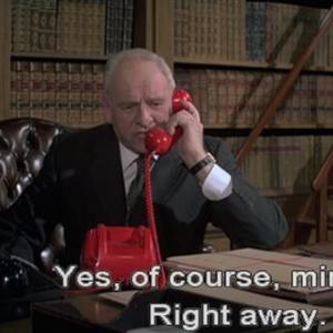 【007シリーズのお約束23】Mの机の赤電話で色々妄想してみた