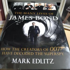 【The Many Lives of James Bondレビュー①】史上初のボンド・アクター/ボブ・ホルネス