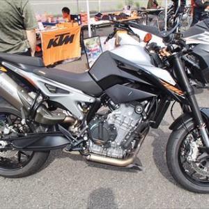 ミドルクラスに興味深々 KTM790 DUKU