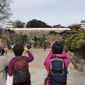 400年前の櫓二基が迎えてくれる明石城