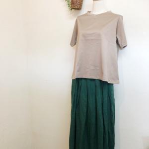 「Faneuil」VネックTシャツ