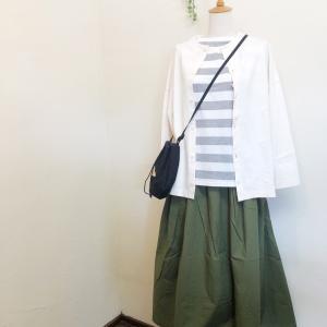 「Dana Faneuil」カーディガン&スカート。