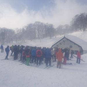 赤倉観光リゾートスキー場。日曜日はすごい